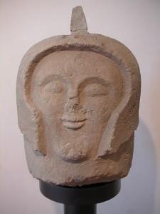 Hlava etruského bojovníka.