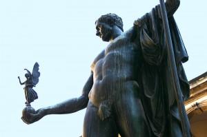 Busta Napoleona v Miláně od Canovy.