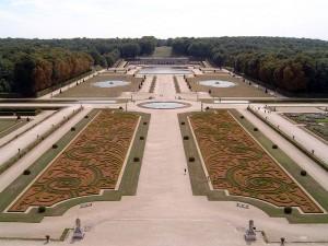 Upravený francouzský park.