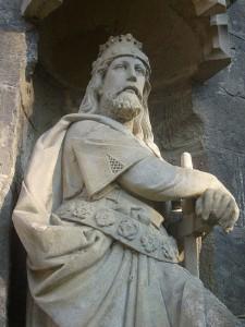 Břetislav I. (1002-5 - 10. ledna 1055), syn Oldřicha a Boženy. Socha v Chrudimi (foto: Ben Skála)