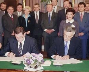 Dohoda Václava Klause a Vladimíra Mečiara o rozdělení Československa 26. srpna 1992 ve vile Tugendhat