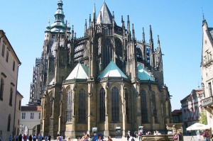 Zadní část katedrály sv. Víta od Matýáše z Arrasu.