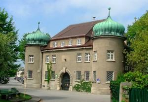 Dnešní pohled na budovu věznice v Landsbergu, kde Hitler strávil 264 dní, během nichž napsal Mein Kampf