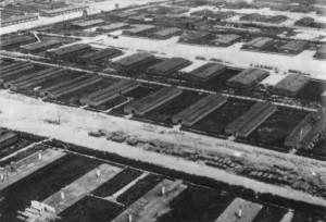 Koncentrační tábor Majdanek (foto z 24. 6. 1944) - Konzentrationslager der Waffen SS Lublin - předměstí Lublinu, Polsko